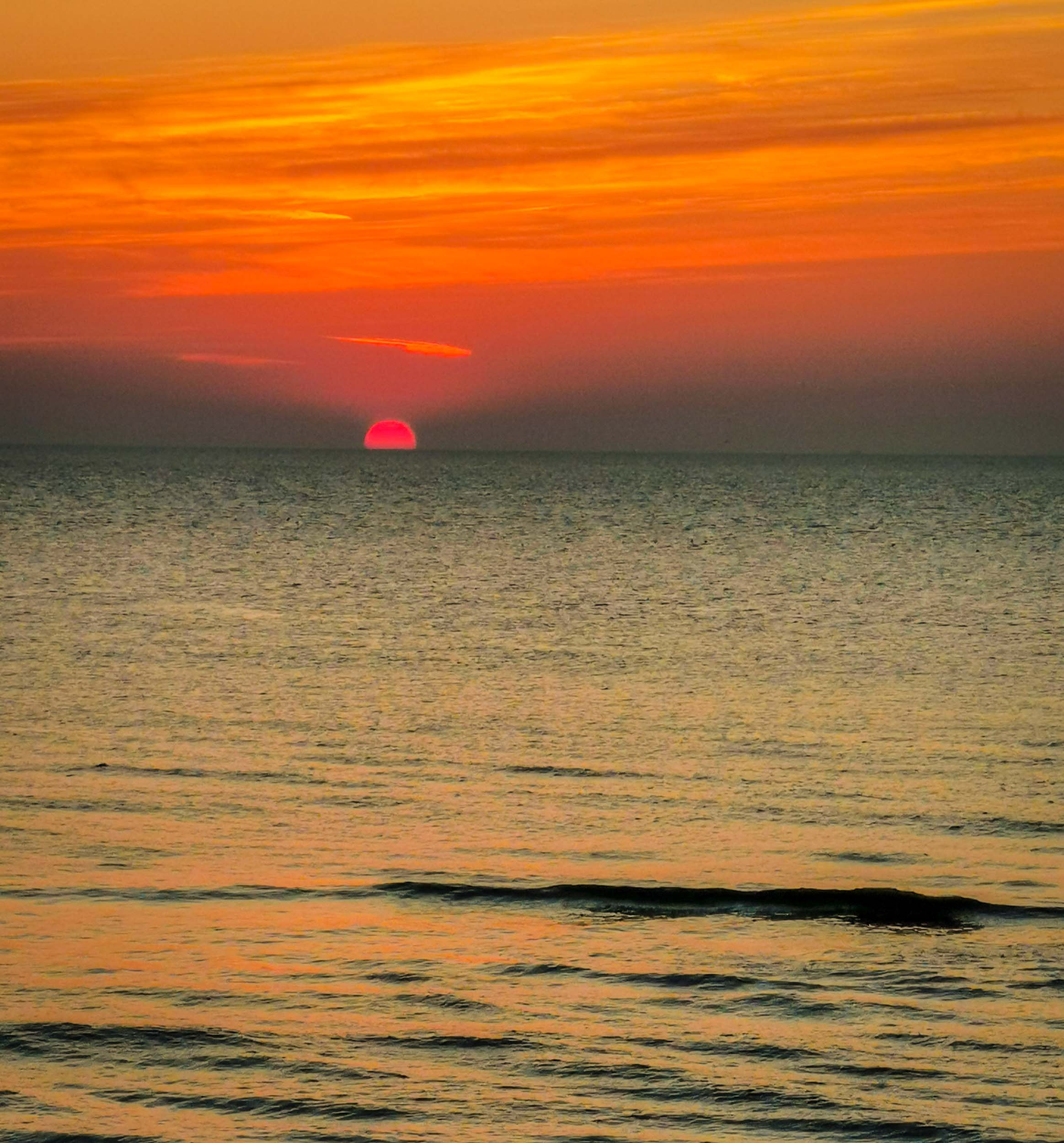 Wir haben hier echte Sonnenuntergänge in Nordholland