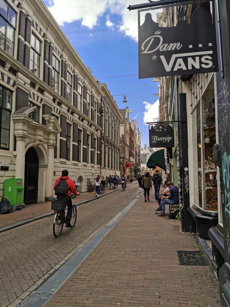 Shopping Amsterdam Lange Straat