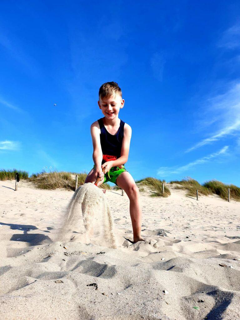 Beachlife – Buddeln am Strand von Petten Nordholland